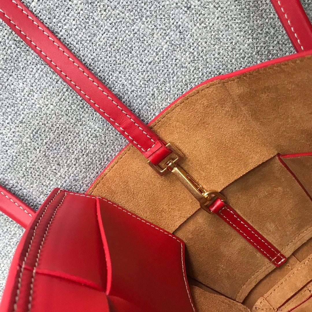 【P1430】Bottega Veneta Mini Arco购物袋 600606牛皮 平纹 大红 袋口28 底17.5宽8高17(不含手柄)