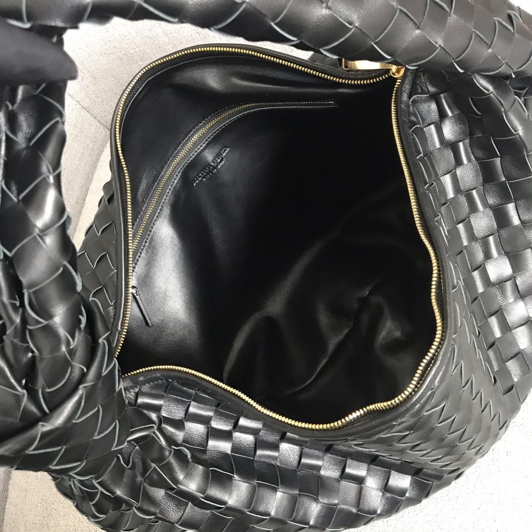 【P2370】宝缇嘉牛角包 现货 600263 编织羊皮 黑色 54-21-40