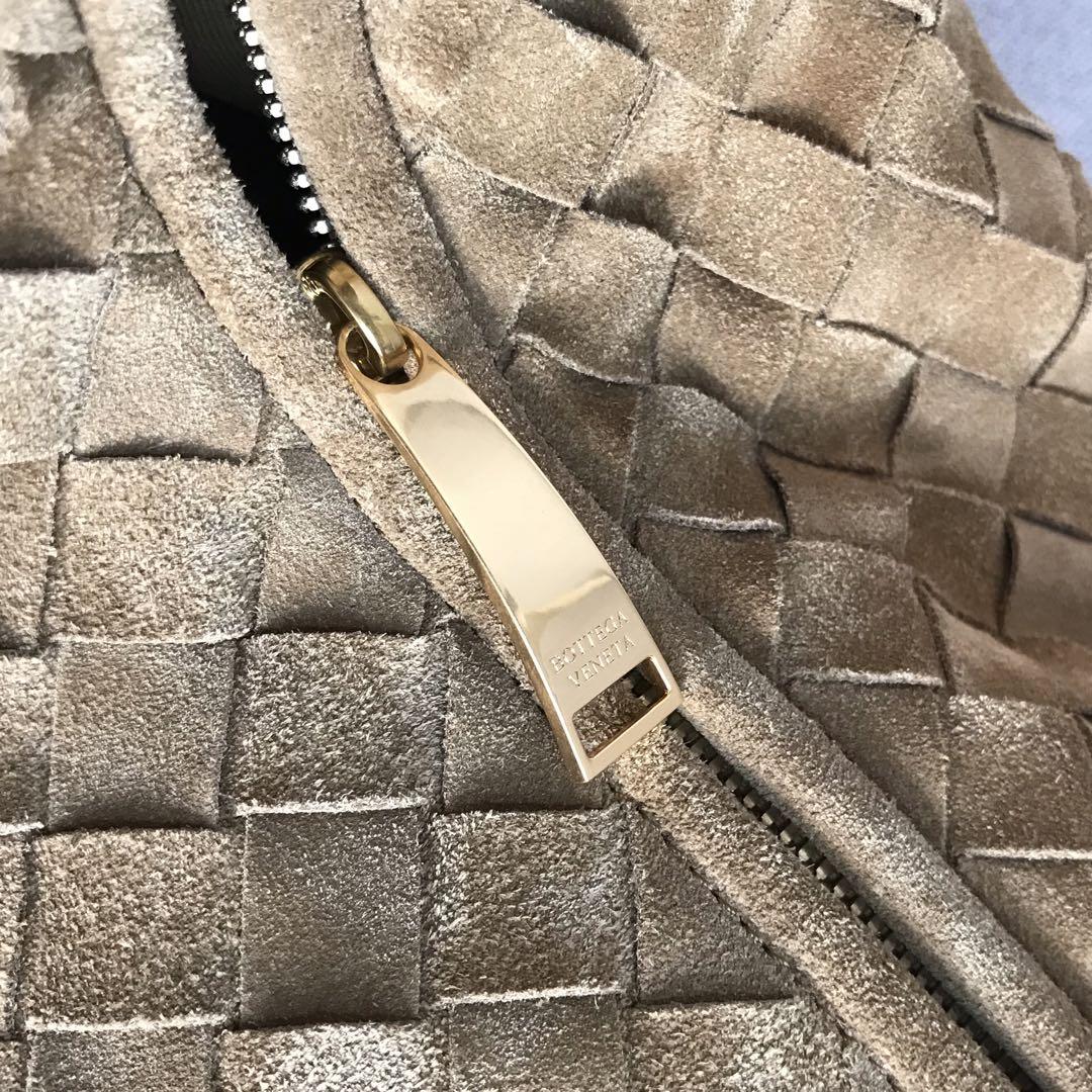 【P2370】BV现货 600263牛角包编织羊皮 驼色猄皮 54-21-40