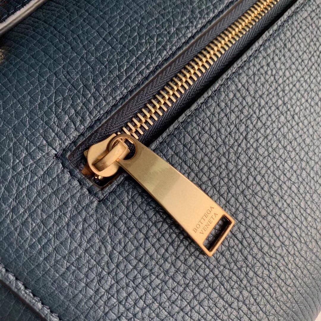 BV 宝缇嘉 Anglebag顶级原版粒秒小牛皮 内里全皮 秋冬最新款 36x17x13cm