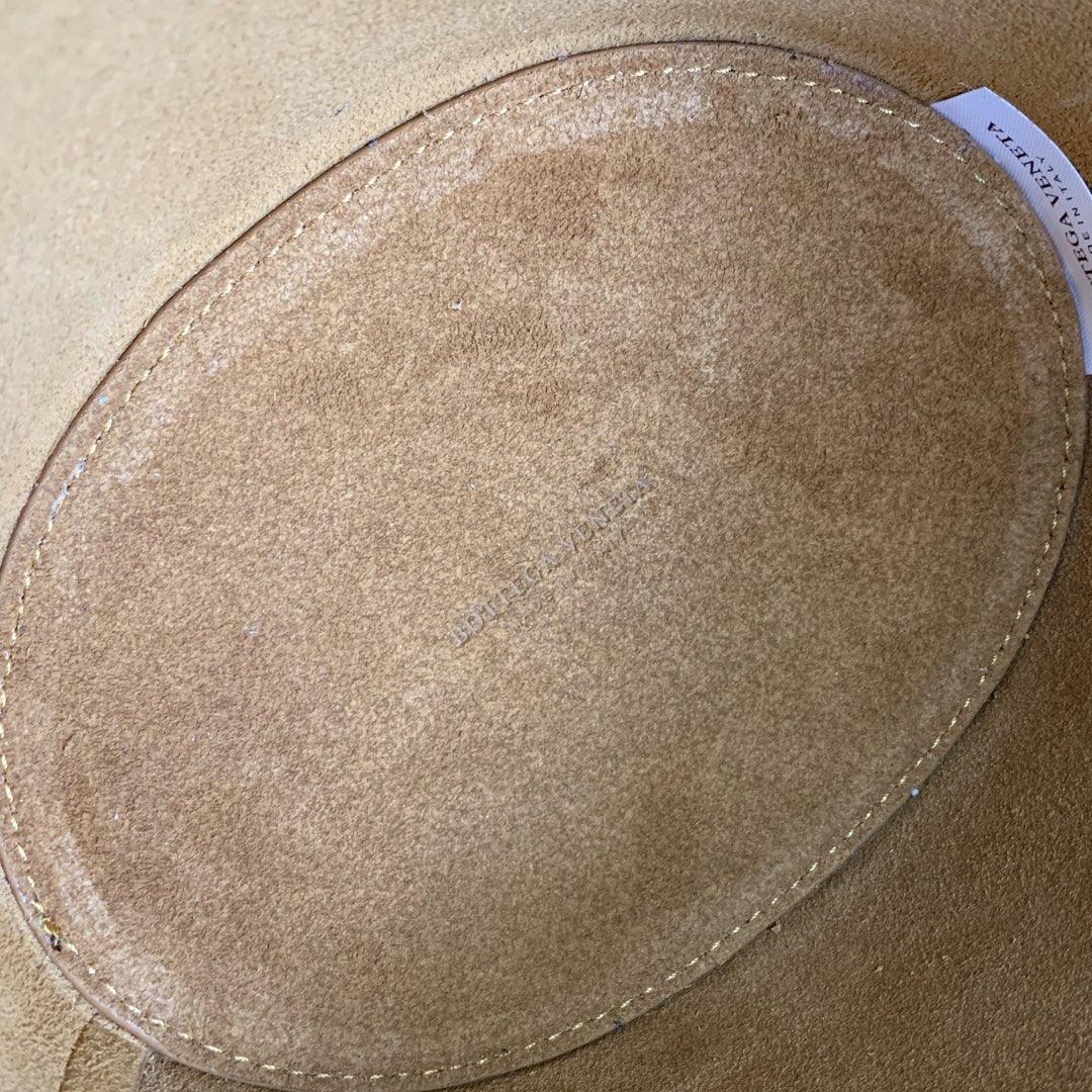 【P1130】Bv 新品 Basket 进口小牛皮 Mini号 592133 牛皮/军绿 28*18*10