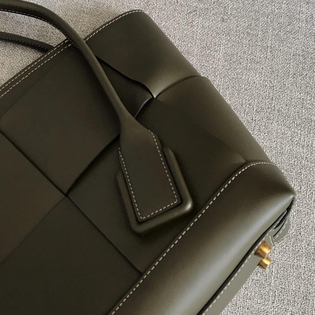 【P2400】Bv 中号Arco购物袋 575949 牛皮/橄榄绿色 袋口:48cm 32-12-24cm