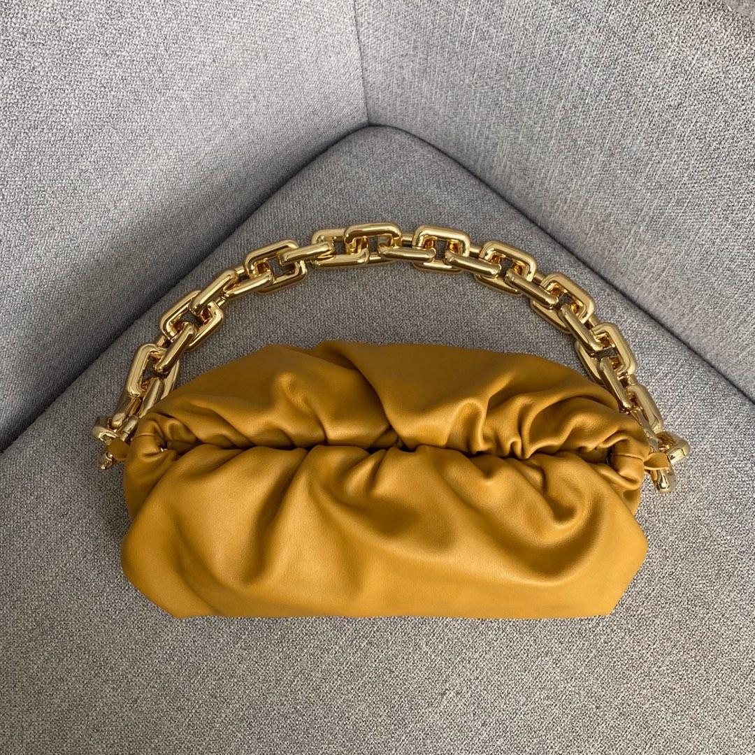 BottegaVeneta 大金链条配色云朵包 620230石黄 31-12-6