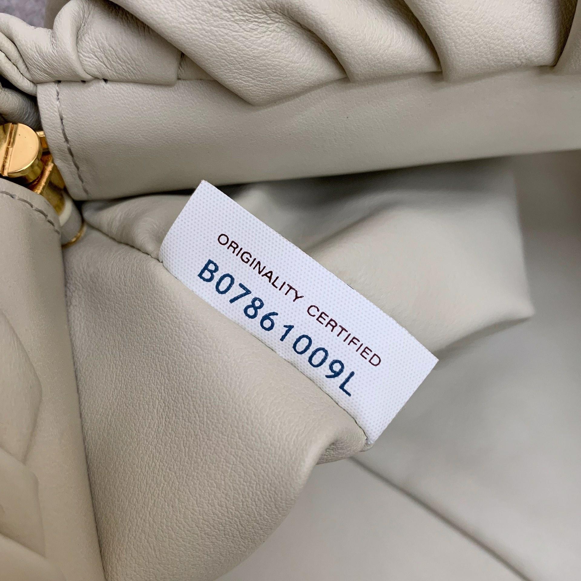 BottegaVeneta 大金链条配色云朵包 620230白色 31-12-6