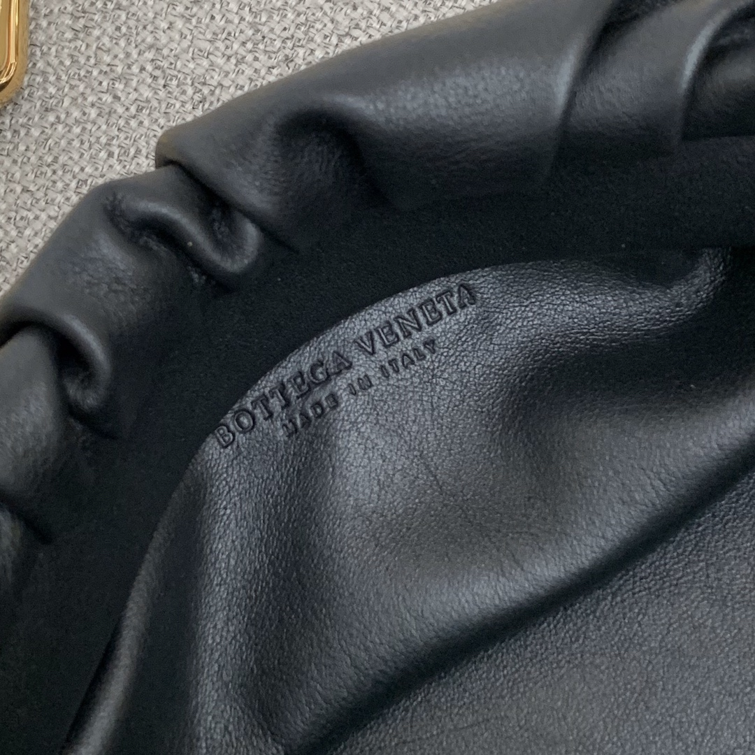 BottegaVeneta 大金链条配色云朵包 620230黑色 31-12-6