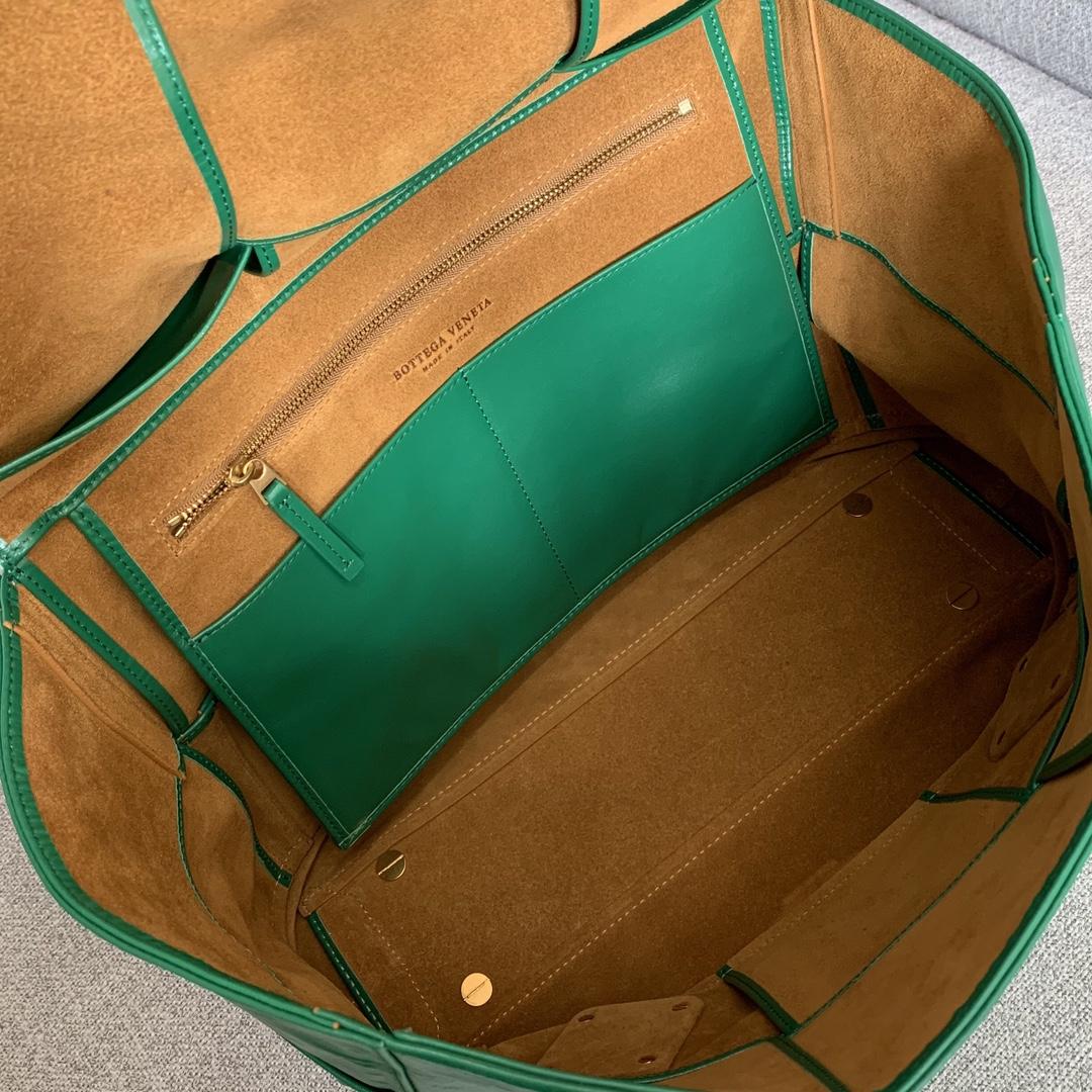 BV葆蝶家 油蜡皮质 ARCO 618464 绿色 32(袋口48)×28×12