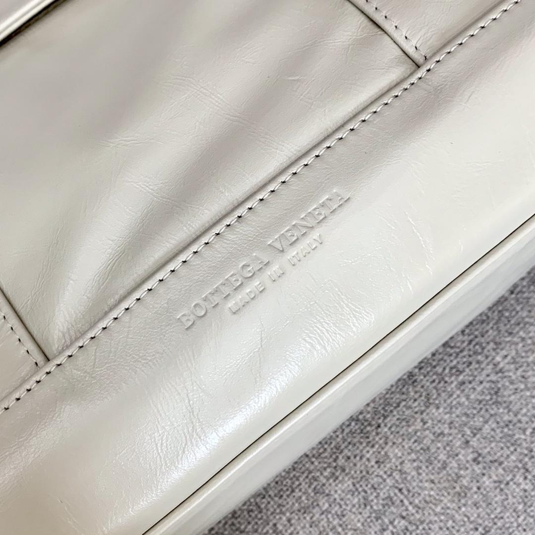 BV葆蝶家 油蜡皮质 ARCO 618464 白色 32(袋口48)×28×12
