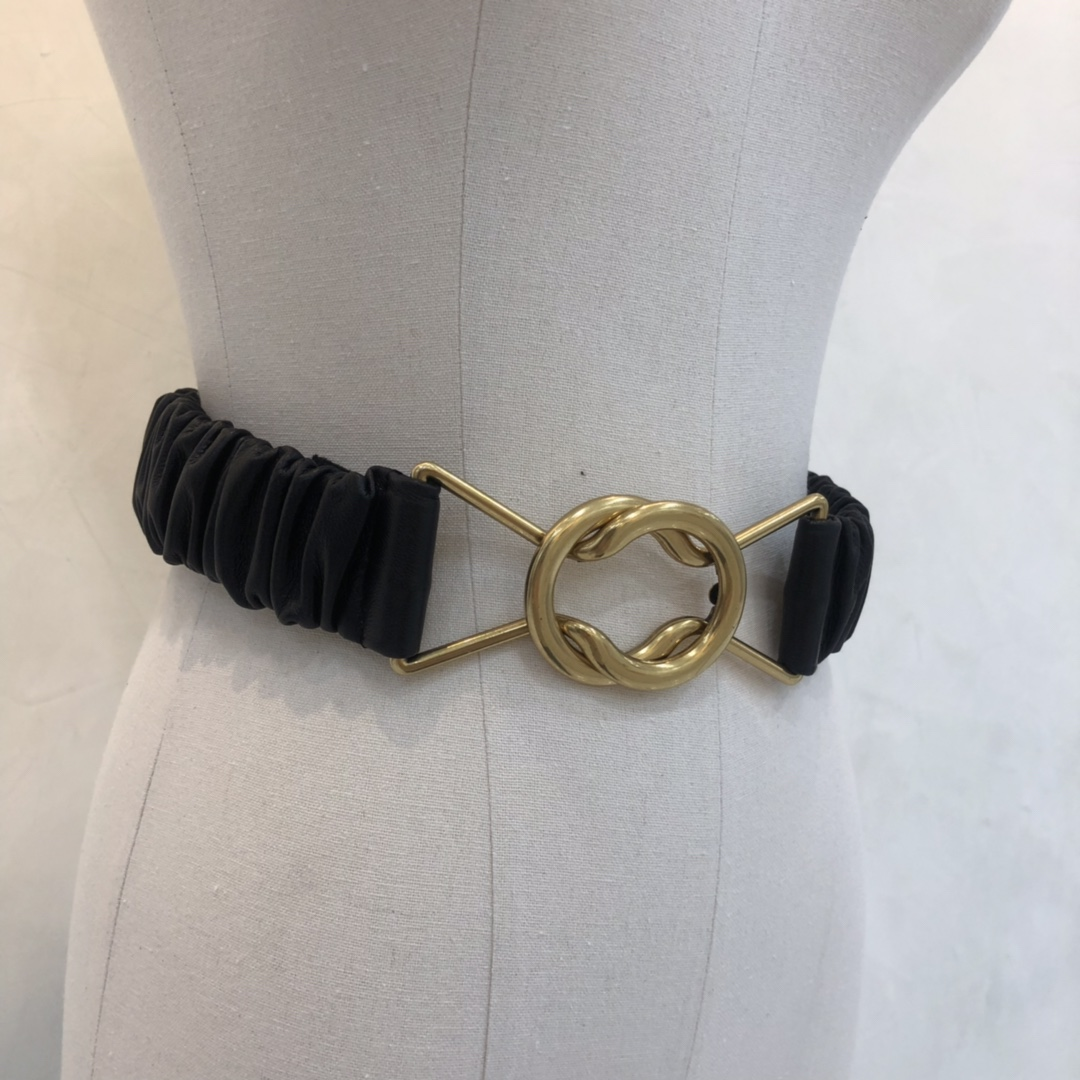 宝缇嘉女士腰带 原版小羊皮 金属黄铜材质 手感柔软  弹力很好