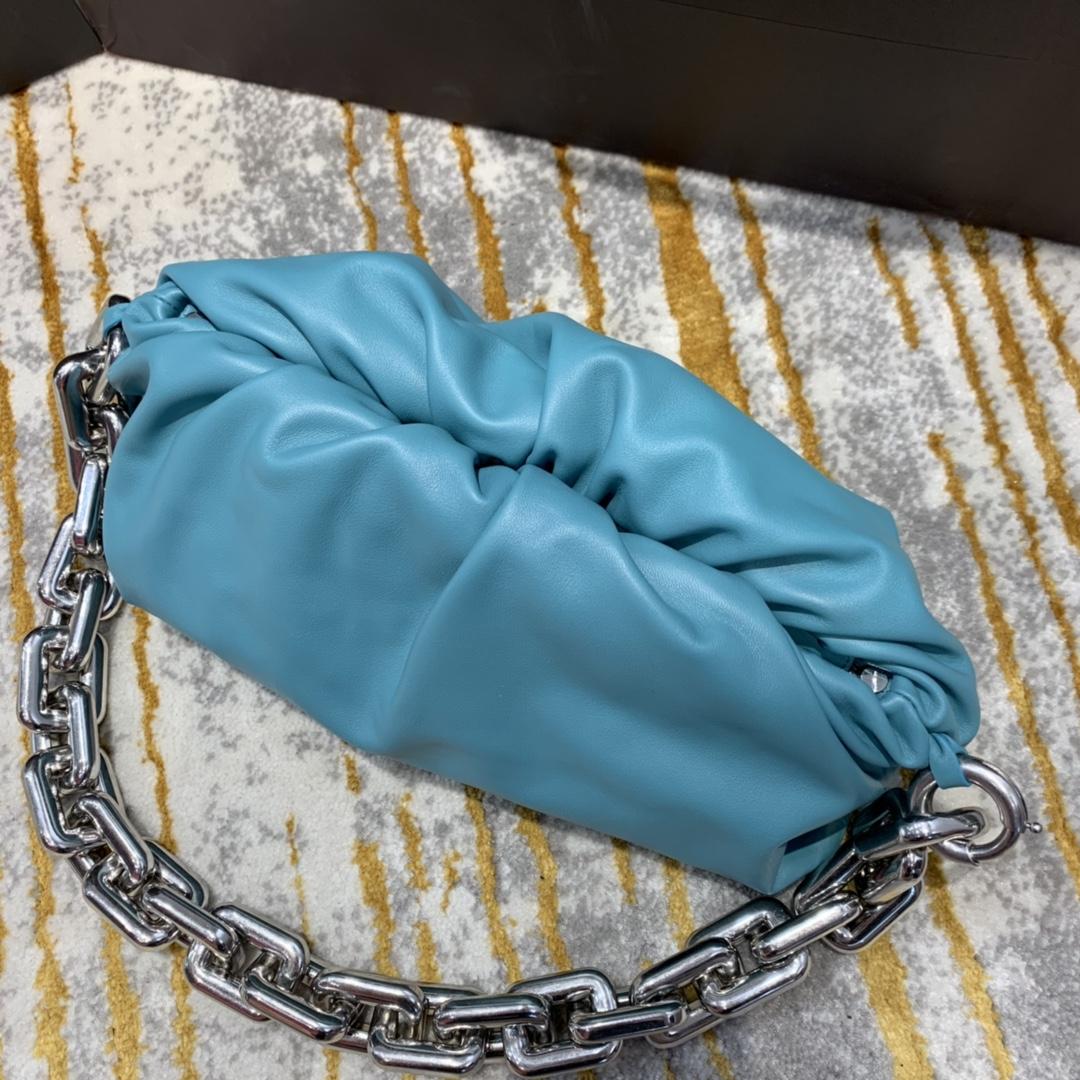 ¥2070【新色】THE CHAIN POUCH 油画蓝银  火爆全球的 31*16*12cm