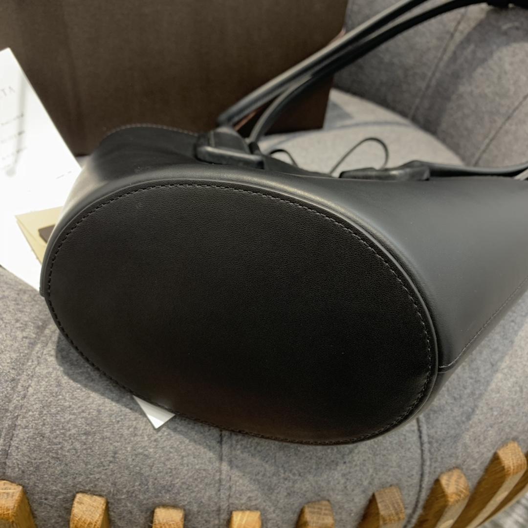 """P¥1170 SMALL BASKET TOTE 黑色 灵感来自西西里传统的""""coffa"""" Basket 篮子包 18*28*10"""
