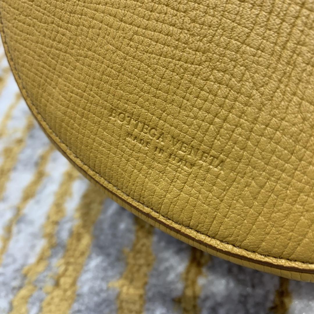 ¥1170 BELT BAG 糖果黄色 小猪包 16*18*7.5 腰包斜挎包单肩包 576643 进口头层牛皮 定制ZP一致黄铜五金