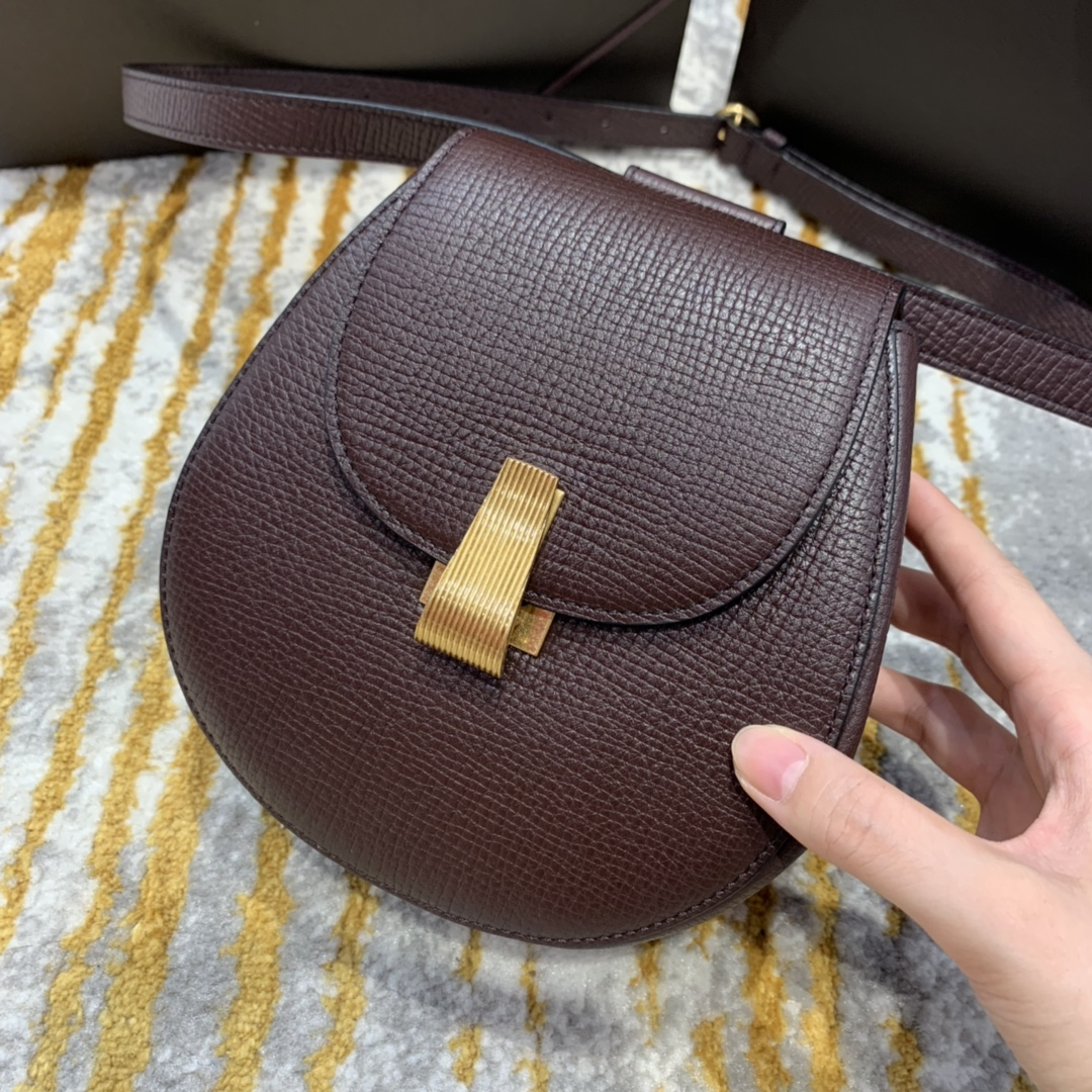 ¥1170 BELT BAG 酒红色 小猪包 16*18*7.5 腰包斜挎包单肩包 576643 进口头层牛皮 定制ZP一致黄铜五金