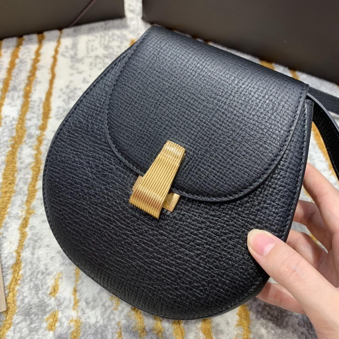¥1170 BELT BAG 黑色 小猪包 16*18*7.5 腰包斜挎包单肩包 576643 进口头层牛皮 定制ZP一致黄铜五金