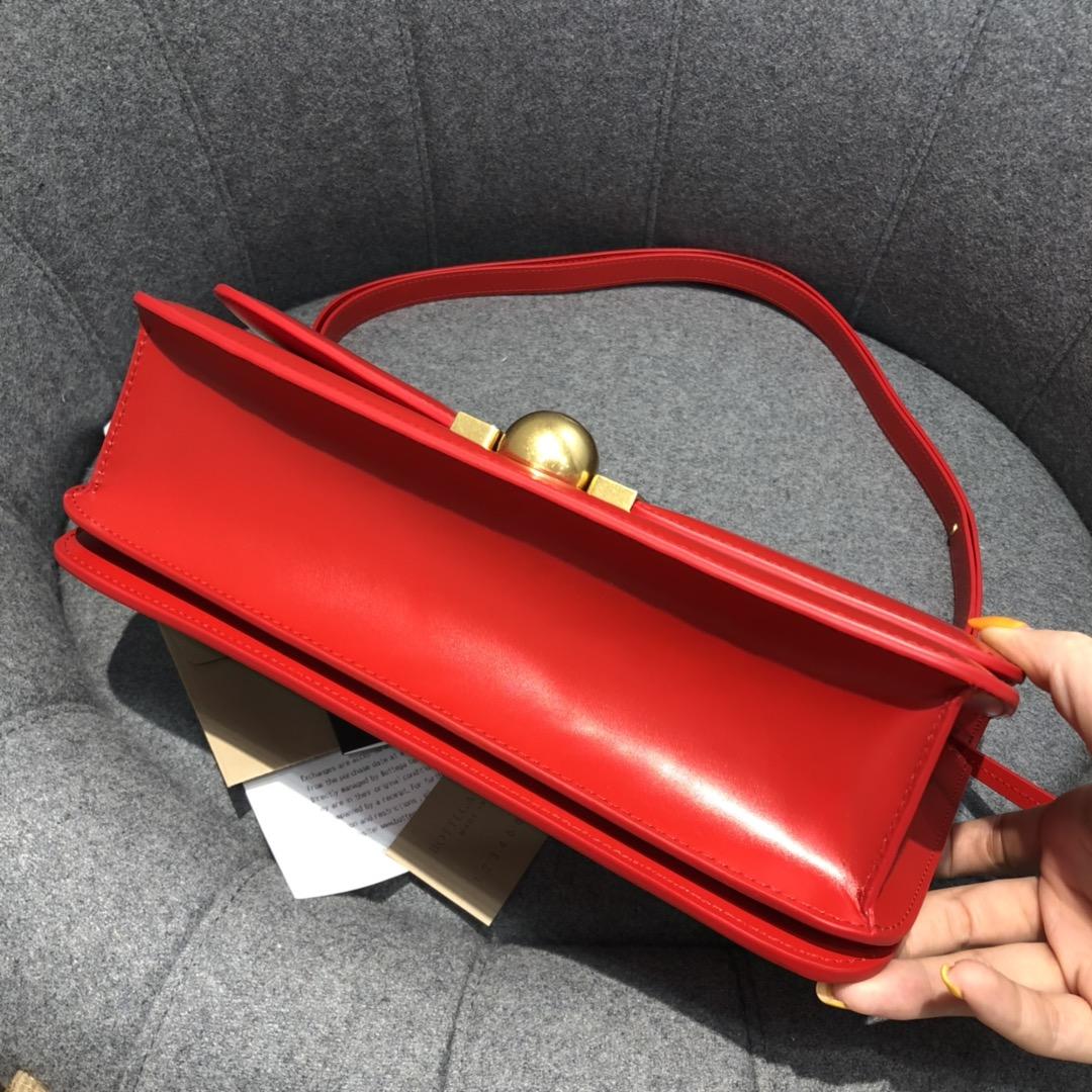 【¥1620】BVCLASSIC28cm大红 28*15.5*8cm  满满的Vintage感 很耐看
