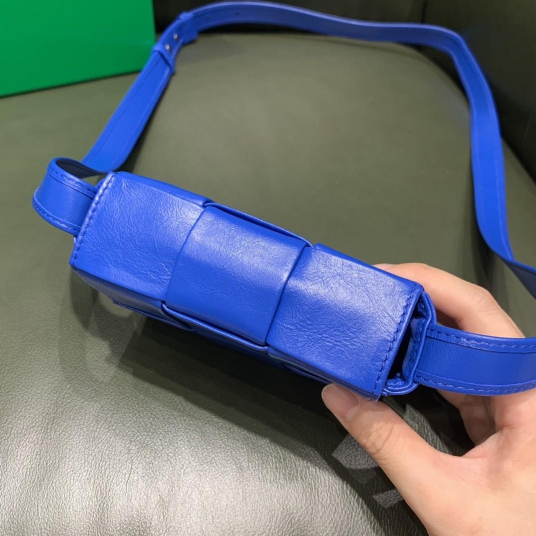 【¥1020】【CASSETTE 三格】钻蓝色 mini包 装可爱凹造型 回头率满分 12x8x4cm