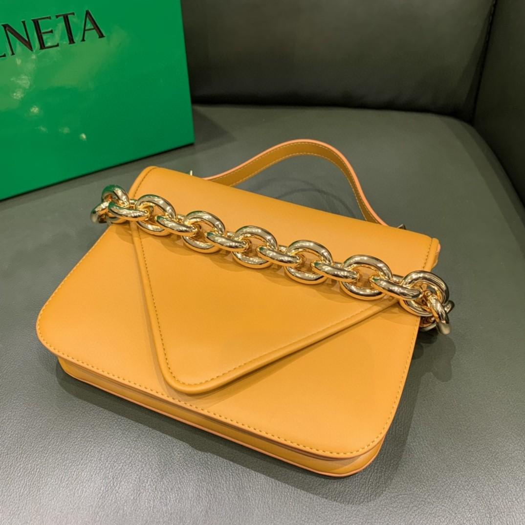 【¥1620】【小号 MOUNT】小号 荔枝纹 橙色 21*16*4cm 特色的粗链条 翻盖女包