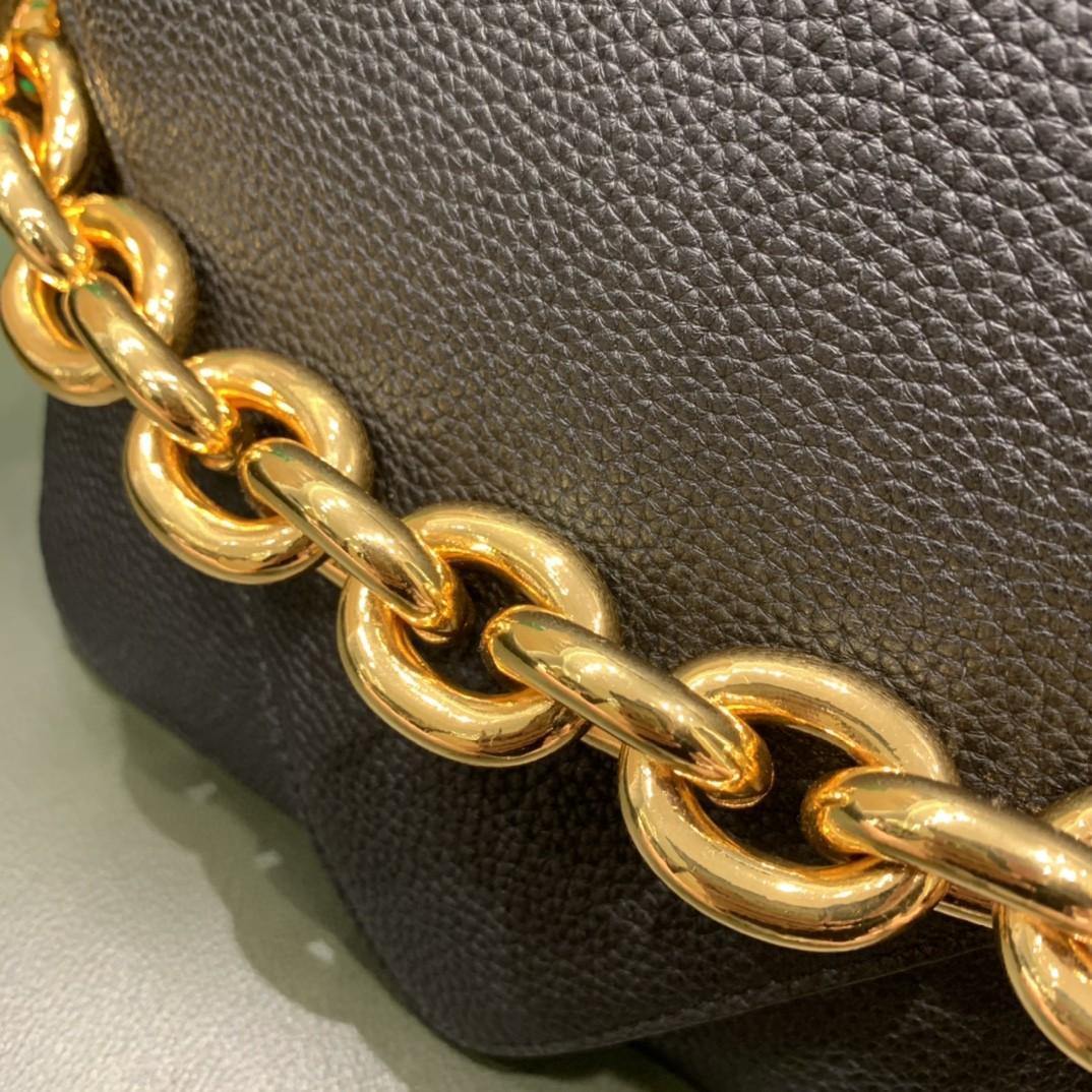 【¥1620】【小号 MOUNT】小号 荔枝纹 黑色 21*16*4cm 特色的粗链条 翻盖女包
